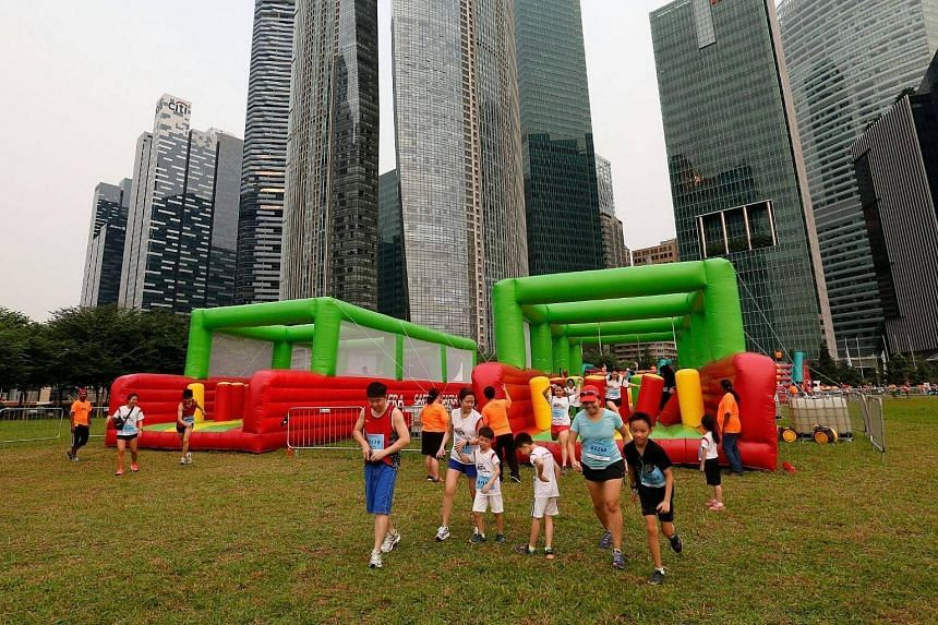 Giant inflatables inspired by the SAF's Standard Obstacle Course at Safra Singapore Bay Run & Army Half Marathon.