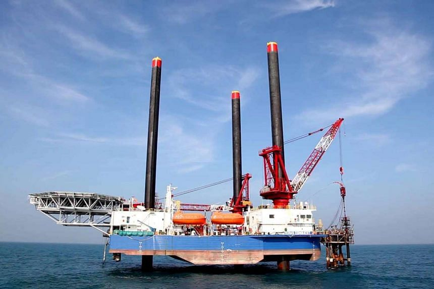 Ezion Holdings has revised down its net profit for the second quarter by US$11.7 million (S$15.9 million) on Aug 29.