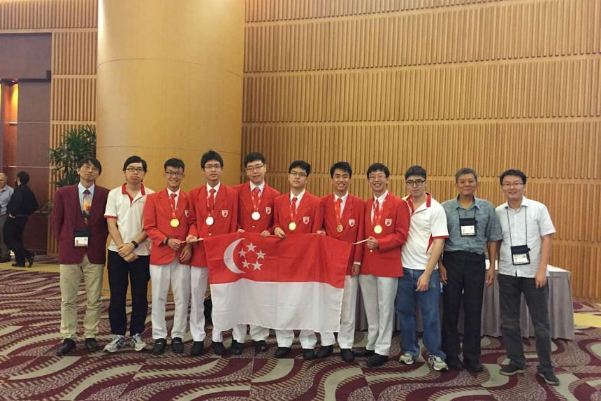 The Singapore mathematical Olympiads team obtained four Gold medals and two Silver medals at the 57th International Mathematical Olympiads held in Hong Kong SAR, China.