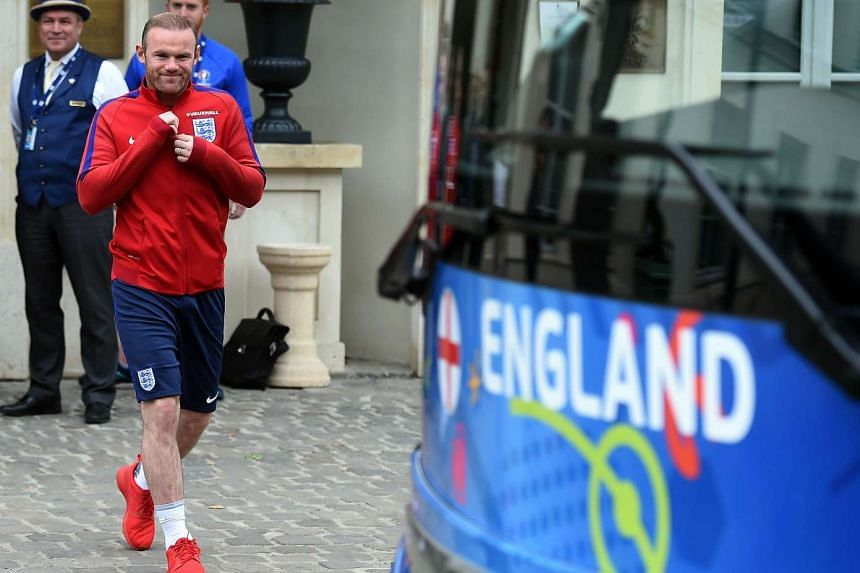 Wayne Rooney will remain England captain, national team coach Sam Allardyce confirmed on Monday.