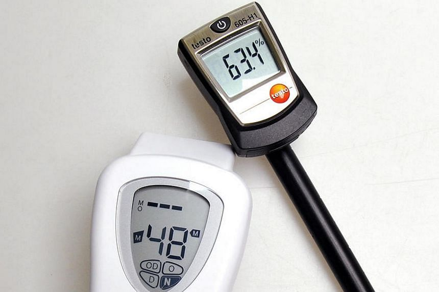 Digital thermometer and dual sensor which measures the sebum and moisture level of the skin.