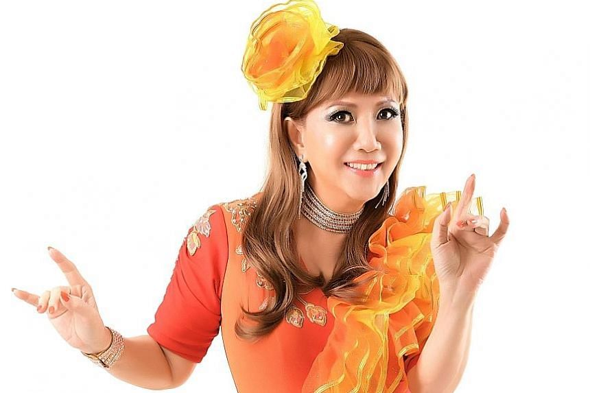 Singer Lisa Wong, who performs in Cantonese, Mandarin and English, dropped out of the scene in the 1990s.