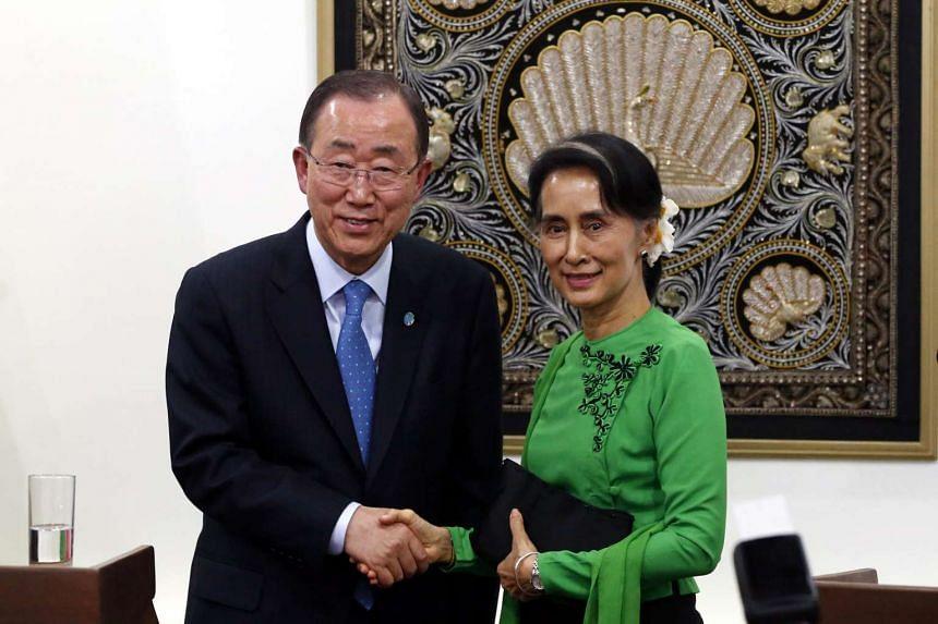 Ban Ki-Moon and Aung San Suu Kyi shake hands following a joint press conference on Aug 30, 2016.