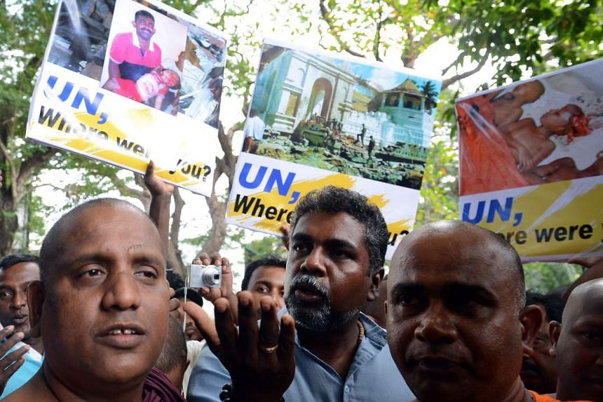 Sri Lankan nationalists, led by Buddhist monks, demonstrate outside the United Nations (UN) compound in the capital Colombo on Sept 1, 2016.
