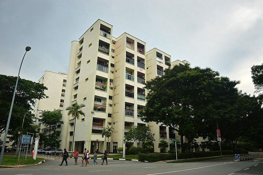 Raintree Gardens, built in the late 1980s, comprises 175 units across two 12-storey and one seven-storey mansionette blocks.