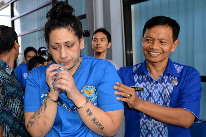 Myra Lynne Williams (left) of New Zealand attends a press conference at National Anti Narcotics Agency for Bali province in Denpasar on Bali island on Sept 2, 2016.
