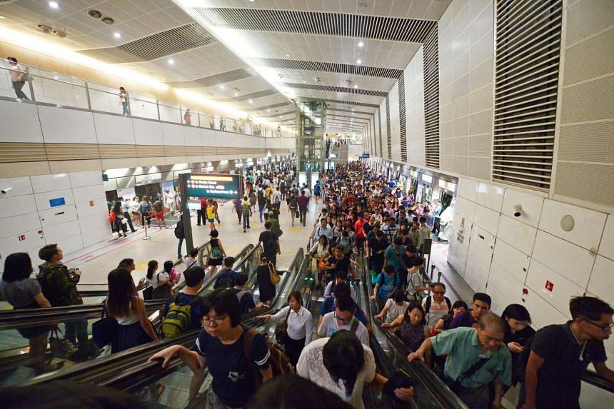 Commuters at Bishan MRT station yesterday (Sept 1). Since Monday (Aug 29), journeys on the Circle Line have been taking longer than usual as trains intermittently lose signalling communication with the tracks.