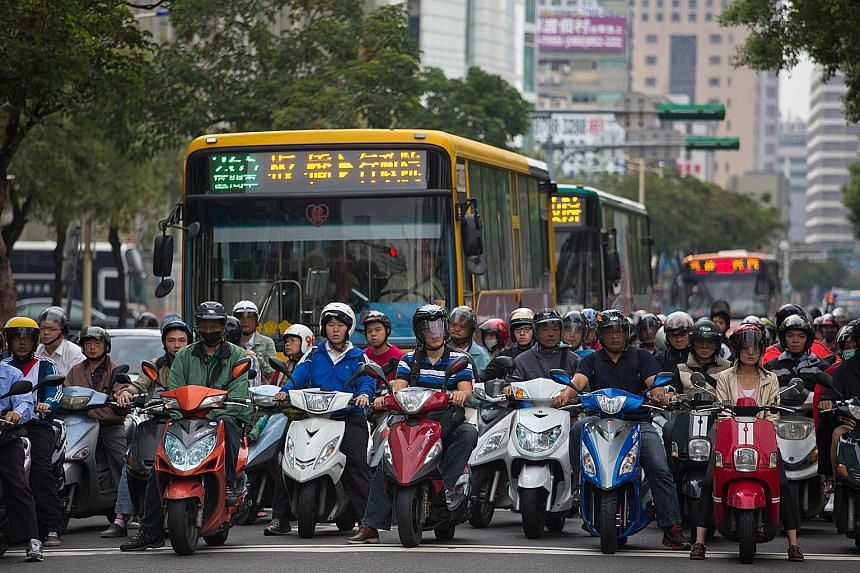 Rancour over civil servant pensions in Taiwan has seen the threat of social disorder grow stronger. Private sector workers are demanding cuts to these benefits, while the government's plans to reform the pension system have resulted in civil servants