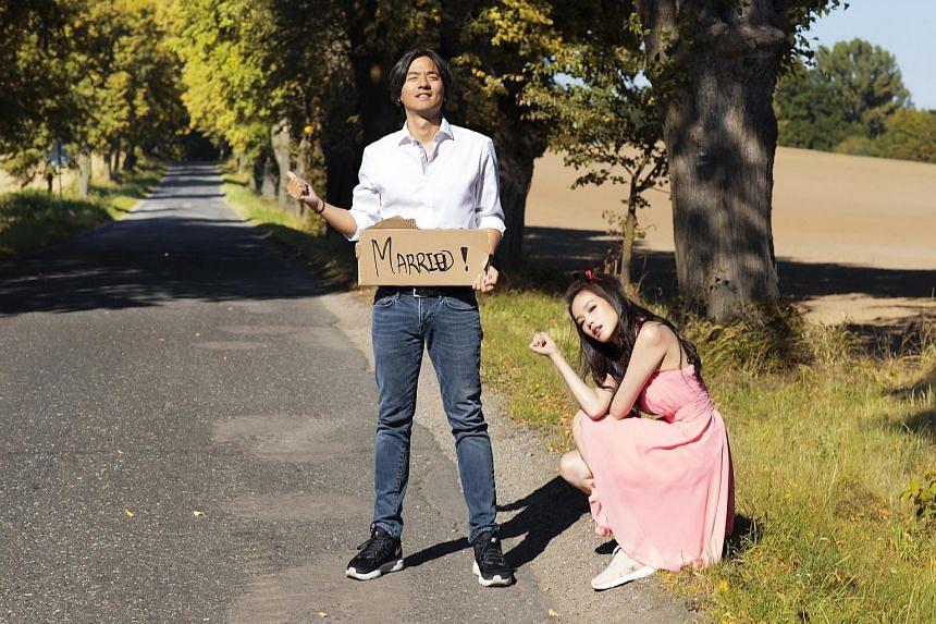 Actress Shu Qi married film-maker Stephen Fung in a quiet marriage in Prague, the Czech Republic.
