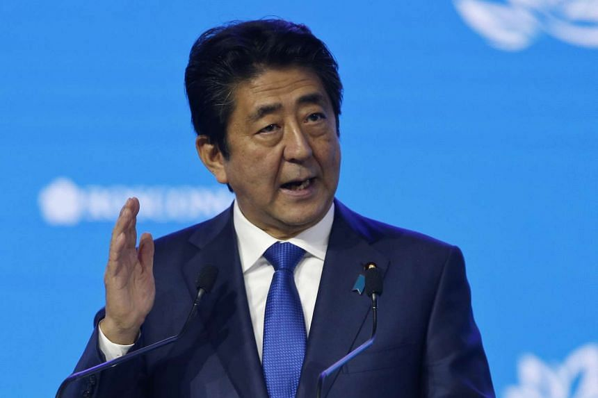 Policies adopted by Japan Prime Minister Shinzo Abe were recommended to be reinforced to battle deflation.