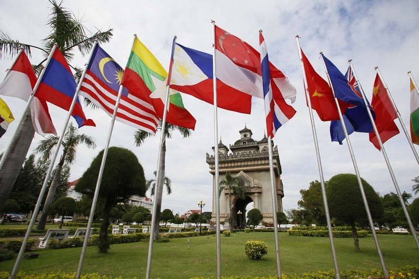 A new round of Asean summits will begin today in Vientiane, Laos, where the leaders of all 10 Asean member countries will discuss a range of initiatives.