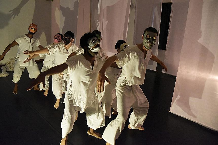 Plaything Of The Gods is a blend of Indian poetry, traditional Indonesian theatre and shadow-play.