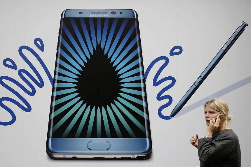 An advert for the Samsung Galaxy Note 7 in London.
