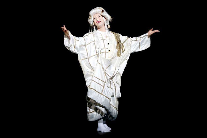 Kabuki performer Kazutaro Nakamura plays the titular character in Sandaime Richard.