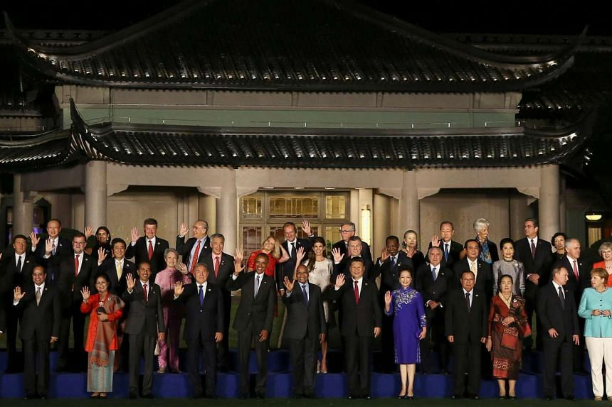 World leaders, Prime Minister Lee Hsien Loong among them, pose for a picture during the G-20 summit in Hangzhou on Sept 4, 2016.