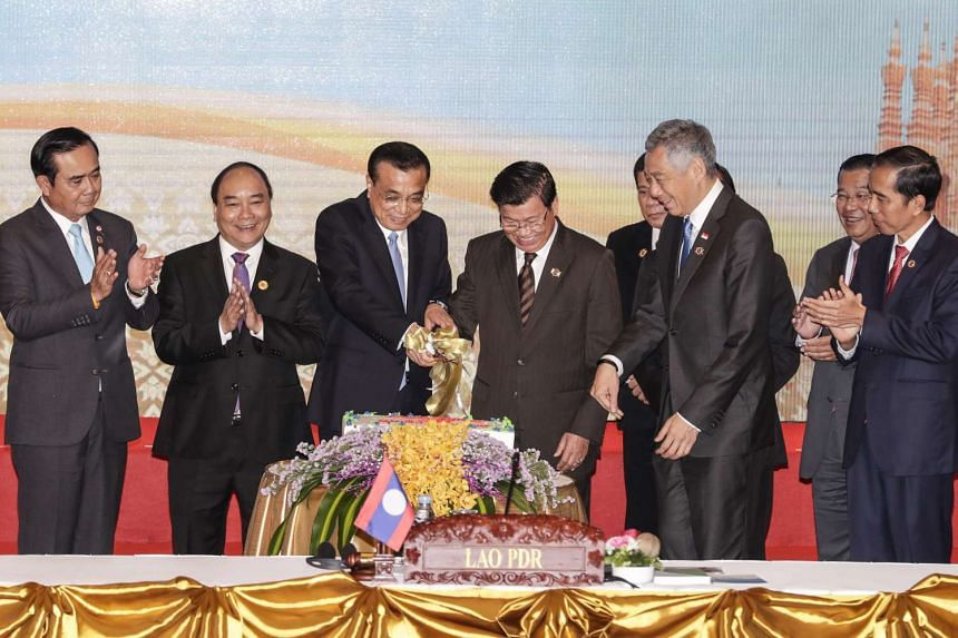 Chinese Premier Li Keqiang (third from left) participating in a cake-cutting ceremony together with Asean leaders during the Asean-China Summit in Vientiane, Laos, on Sept 7, 2016.