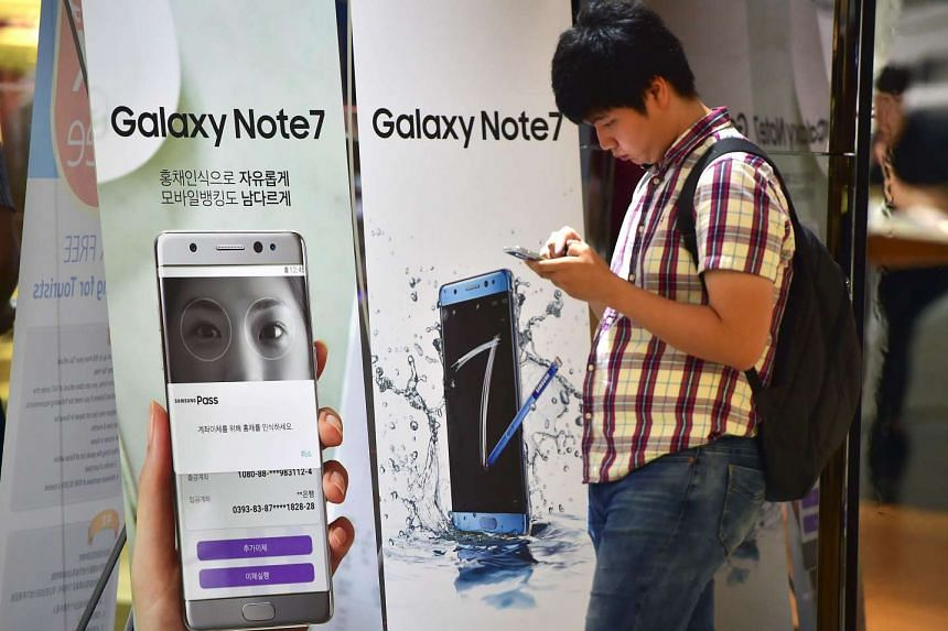 A signboard shows the Samsung Galaxy Note7 at a Samsung showroom in Seoul.