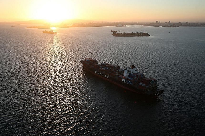 A Hanjin Shipping vessel stranded outside the Port of Long Beach, California, last Thursday. About US$14 billion worth of cargo for companies, such as Samsung Electronics, is stuck on 92 Hanjin vessels. Korean Air Lines is the biggest shareholder of