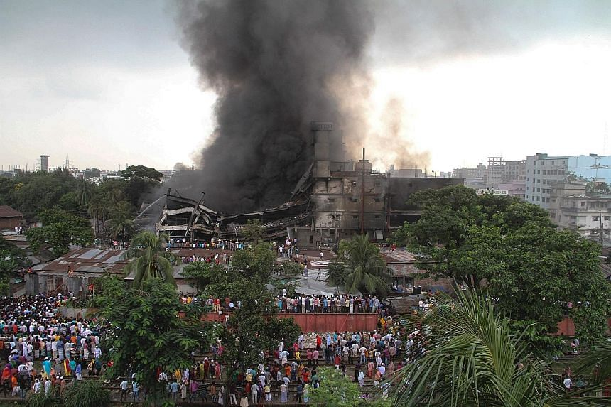 A huge fire was triggered by a boiler explosion at a Bangladeshi packaging factory, Tampaco Foils, yesterday. Around 100 people were working when flames tore through the four-storey building in the industrial town of Tongi, just north of the capital