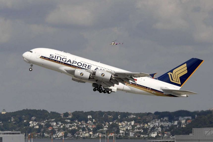 Singapore Airlines said it would not be renewing its lease on its oldest A-380 aircraft when it expires in October 2017.
