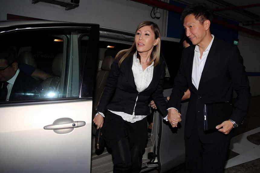 CHC founder Kong Hee (right) arrives with his wife Ho Yeow Sun.