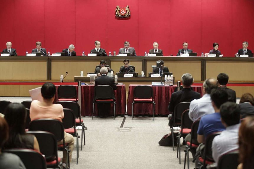 Former Cabinet minister S. Dhanabalan (seated, with back to camera) speaking at the Constitutional Commission hearing on elected presidency with (back row, from left) Constitutional Commission members Mr Chua Thian Poh, Mr Abdullah Tarmugi, Mr Wong N
