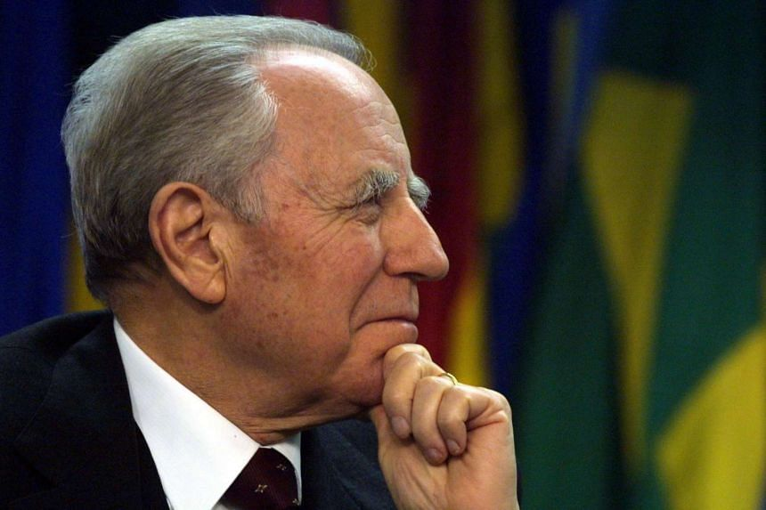 Former Italian president, prime minister and central bank governor Carlo Azeglio Ciampi has died at the age of 95.