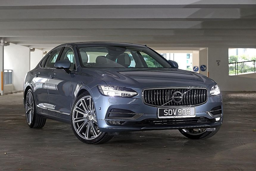 The Volvo S90 has a refreshing design - the long and low profile gives the car a regal stance on the road.