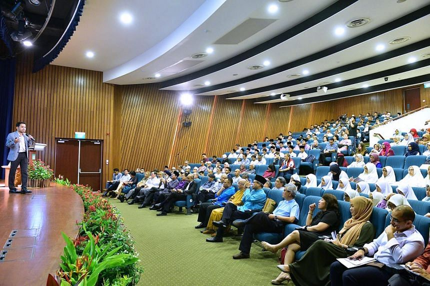 Dr Nazirudin Mohd Nasir speaking about inter-faith engagement during the Abdul Aleem Sidddique Memorial Lecture at the Singapore Islamic Hub on Sept 16, 2016.
