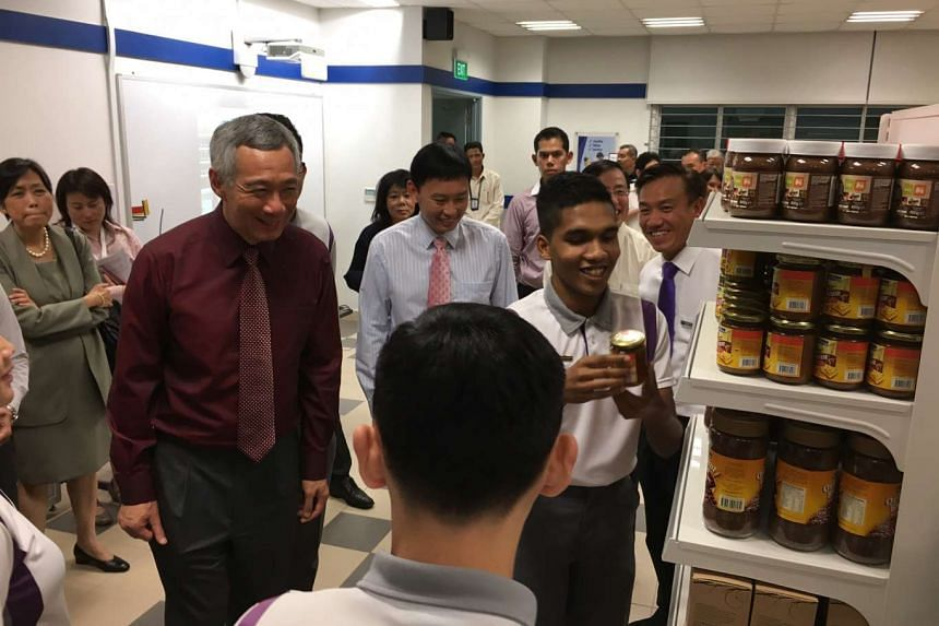 PM Lee Hsien Loong touring NorthLight School's new campus, on Sept 21, 2016.