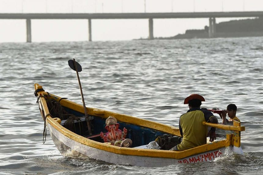The police issued an alert to fishermen asking them to be vigilant and to report any suspicious persons or activities around the Mumbai coast.