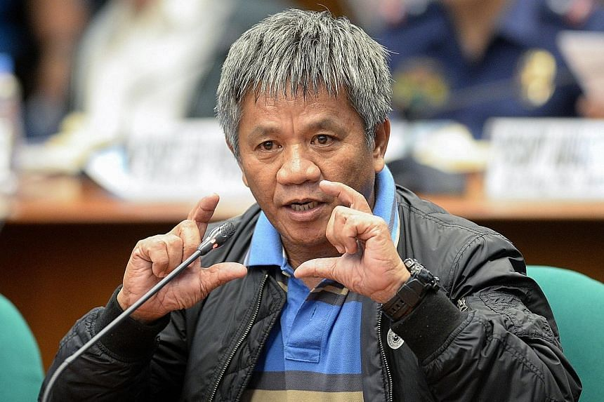 Mr Matobato has insisted that he was not making up the murders, and stood by his account that Mr Duterte finished off a government agent with a Uzi submachine gun.