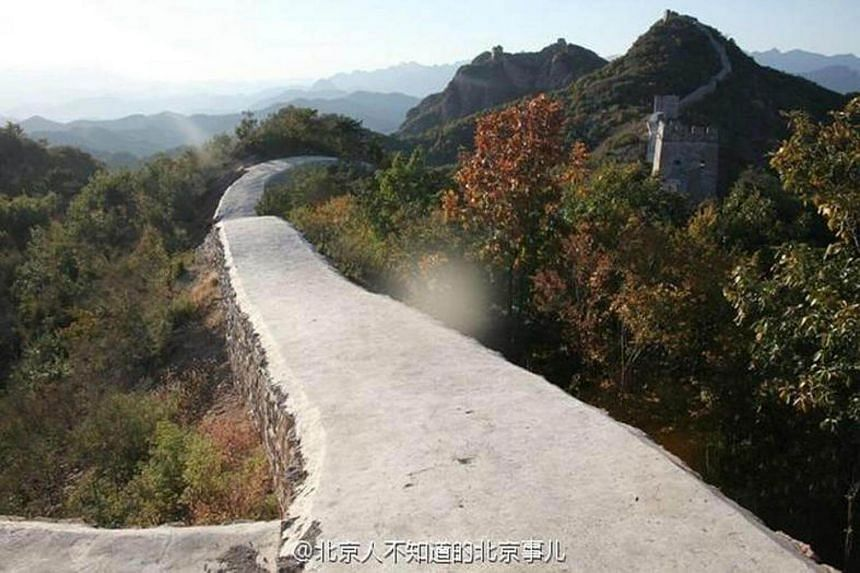 In a botched restoration project that drew ridicule in China, a 700-year-old section of the Great Wall in Liaoning province has all been filled in using sand, cement and other materials, turning the 8 km stretch into a smoothened walkway.