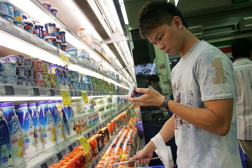 More people are checking the labels on their food products to find out what goes into their food. But as the labels can be tricky and confusing, many forgo reading them, especially during a busy supermarket dash.