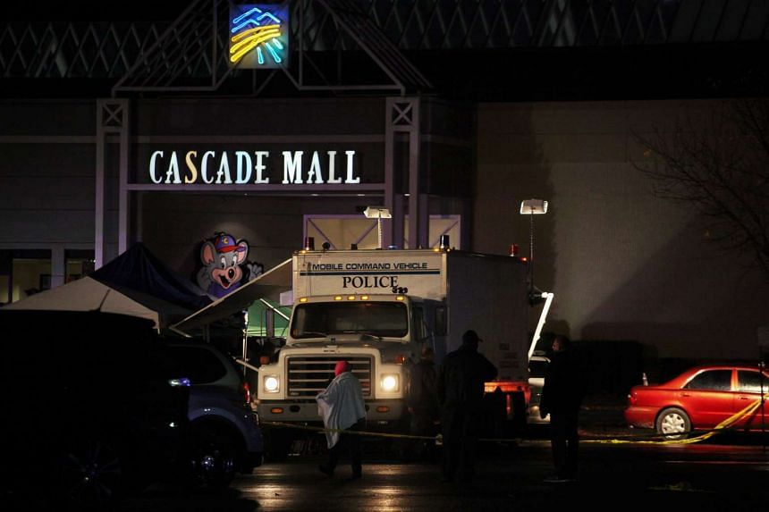 Authorities at the Cascade Mall following reports of an active shooter in Burlington, Washington, Sept 24, 2016.