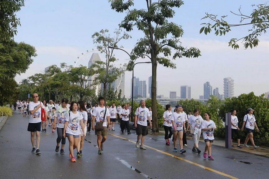 Taxi drivers stretched, did tai-chi, and walked 3km around the Gardens by the Bay and Marina Barrage on Sunday (Sept 25) morning in the name of diabetes awareness.