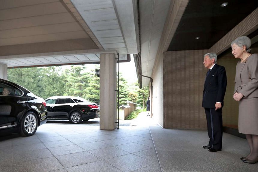 Emperor Akihito (second right) and Empress Michiko of Japan sending off Singapore PM Lee Hsien Loong (not in picture) and Mrs Lee (left) after hosting them to lunch at their private residence, on Sept 27, 2016.