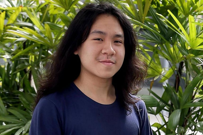 Amos Yee arriving at the State Courts on Sept 28, 2016.