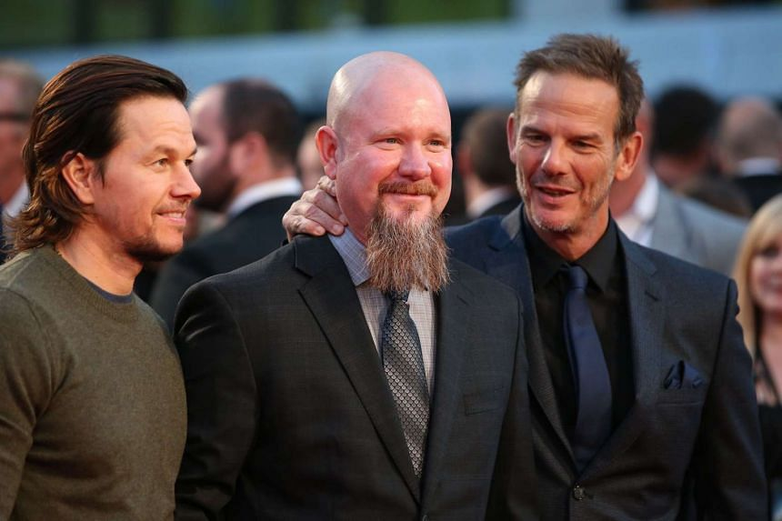 Peter Berg (right) and Mark Wahlberg (left).