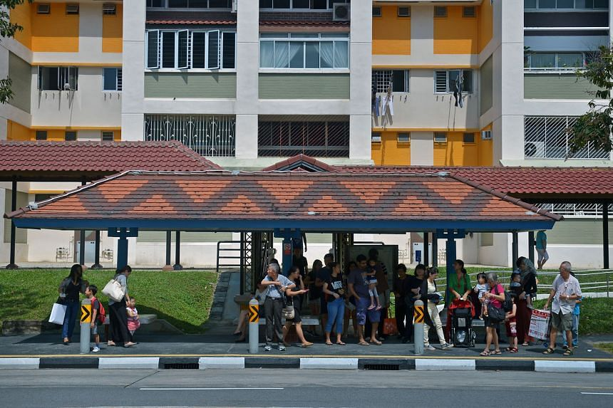 The current bus-stop design is problematic, as standing commuters often block the view of those who are seated.