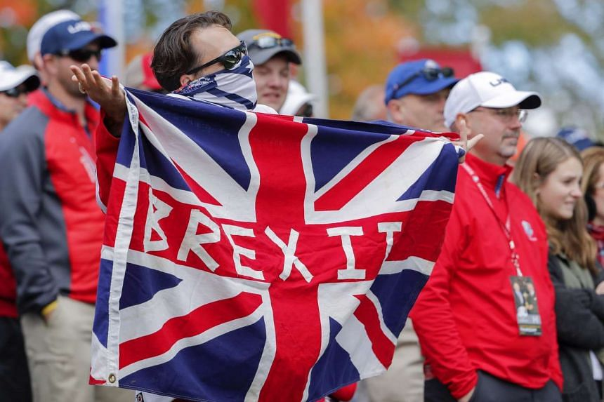 A poll has revealed that most Britons think that the government is doing badly on Brexit.