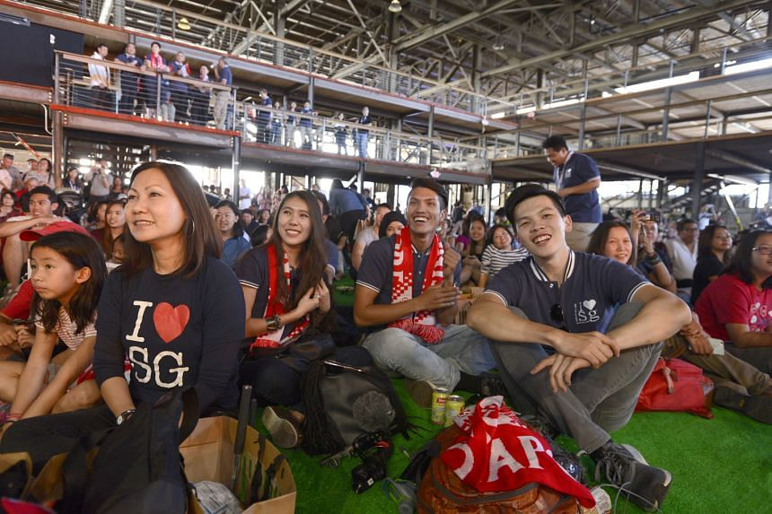 The crowd being entertained during this year's Singapore Day concert in San Francisco. But they saved their loudest cheers for Deputy Prime Minister Teo Chee Hean as he conveyed the country's best wishes to her sons and daughters living abroad.