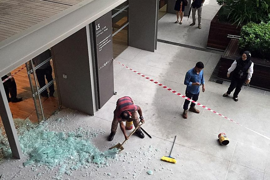 In December last year, a glass door at the National Gallery Singapore shattered just a week after the museum's opening. Spontaneous glass shattering was discussed at the Asia Facade and Glass Conference yesterday.