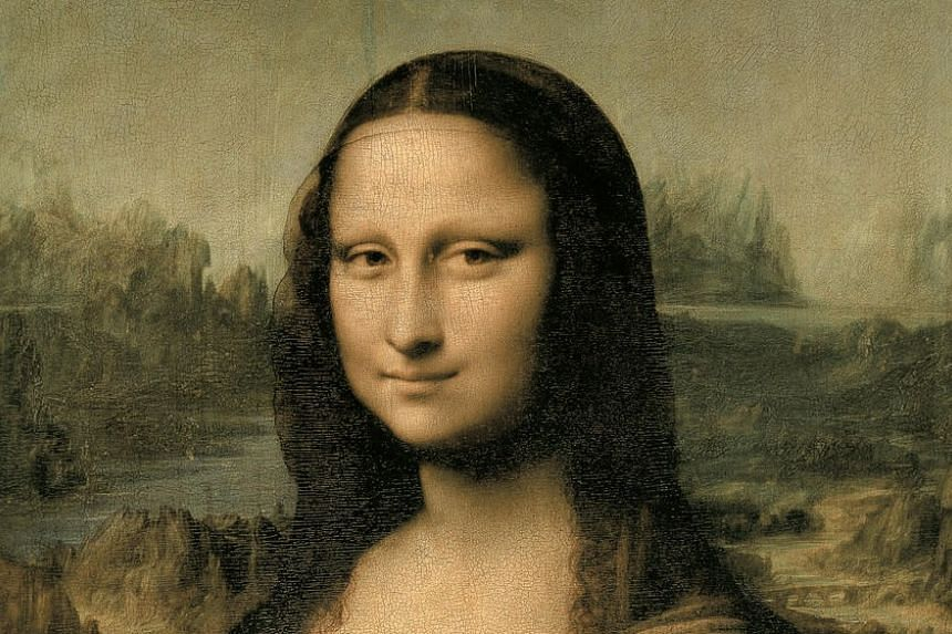 Boulet argued that the enigmatic smile of the Mona Lisa showed that a person could convey happiness while retaining a neutral expression, and keeping his or her lips together.