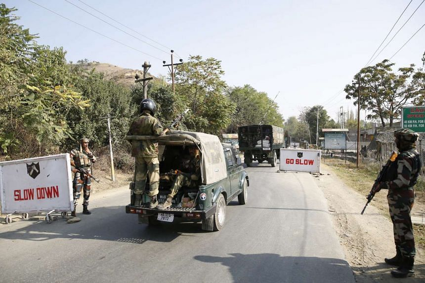 Indian Border Force men arrive the army camp, which was attacked by militants, in Baramulla some 50 kilometers north of Srinagar, the summer capital of Indian Kashmir, on Oct 3, 2016.