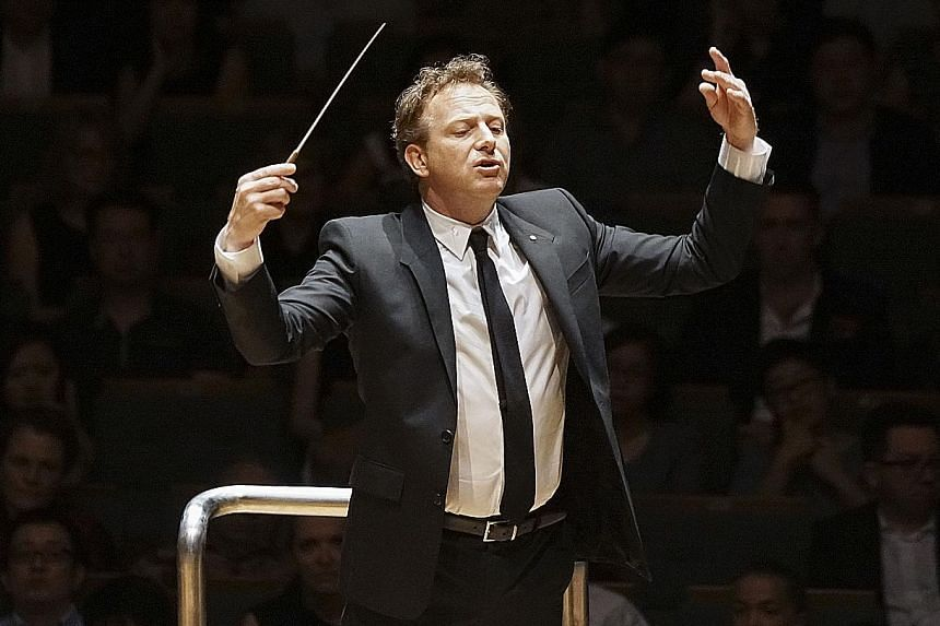Alexander Briger is the founder and chief conductor of the Australian World Orchestra.