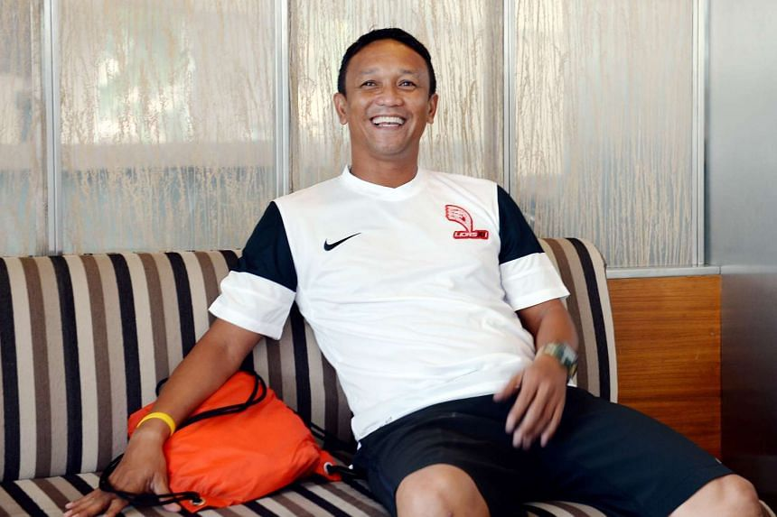 Fandi Ahmad has signed a three-year plus three contract with the FAS.