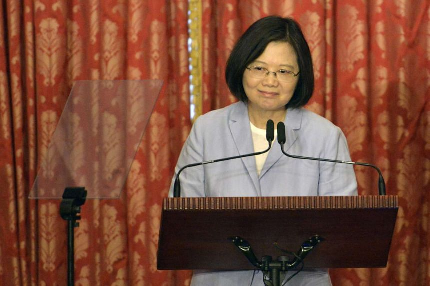 Taiwanese President Tsai Ing Wen has appointed a pro-China politician to represent her at a meeting of Asia-Pacific leaders next month.