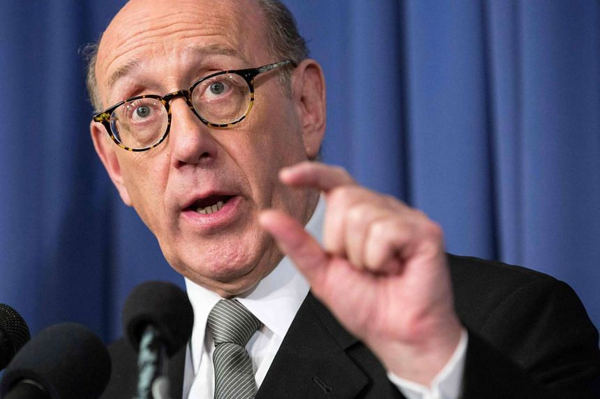 Kenneth Feinberg, a victims compensation lawyer hired by GM, holds a news conference to announce the eligibility criteria for a programme to compensate victims of a faulty ignition switch in Washington.
