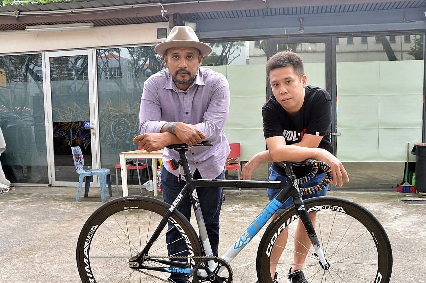 Zulkifli (far left) and Khoo are being helped by the Singapore Cycling Federation in their attempt to revive the HolyCrit bike races, which used to be held at night and involve the use of fixed-gear bicycles that come without brakes.